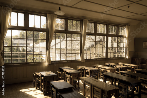 Fotografie, Obraz  木造校舎の教室