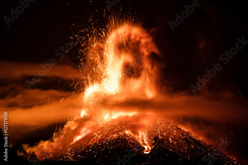 Photo sur Toile Volcan Volcano Etna Eruption