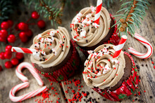 Christmas And New Year Cupcakes