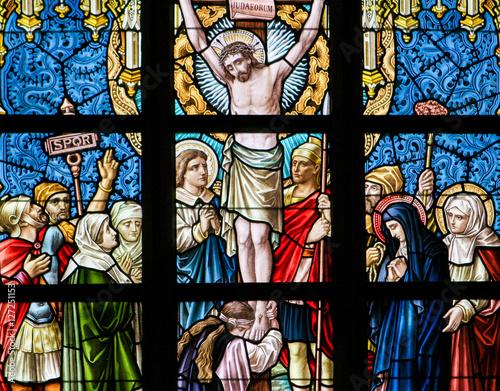 witraz-jezus-na-krzyzu
