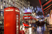 Christmas Lights On London Str...