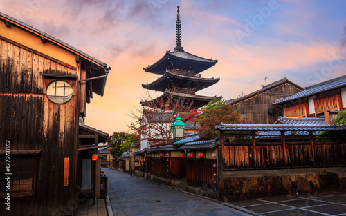 Poster Kyoto Yasaka Pagoda and Sannen of japan