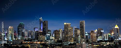 Cadres-photo bureau Bangkok Panorama of Bangkok Cityscape, Business district with high building at dusk