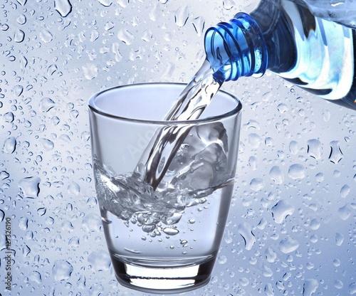 Papiers peints Eau Wasserglas