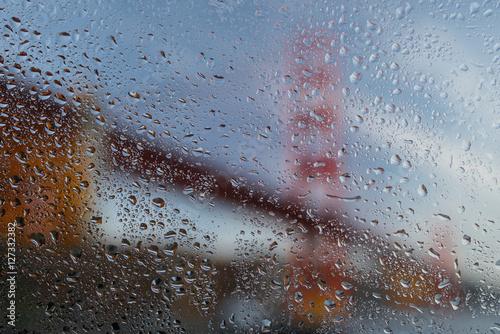 deszczowy-golden-gate-bridge
