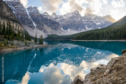Tuinposter Bergen Moraine Lake, Banff National Park