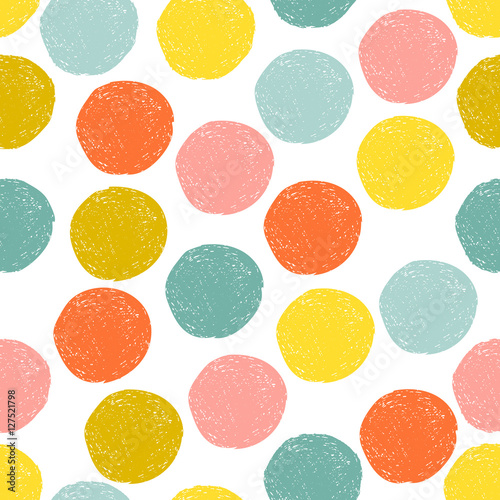 Materiał do szycia Kolorowe ładny różowy, niebieski, żółty, pomarańczowy losowe grunge polka dot, wzór. Szkic koło na białym tle. Streszczenie okrągłe bez szwu, tapeta. Ilustracja wektorowa.