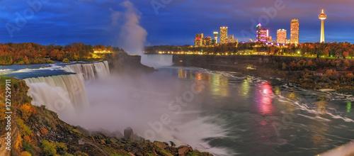 Foto auf AluDibond Wasserfalle Niagara Waterfall at night