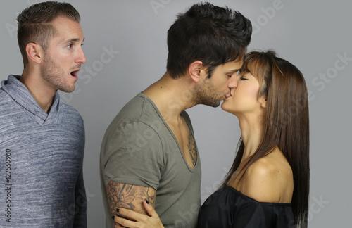 Fotografia, Obraz  Jeune homme entrain de surprendre un adultère