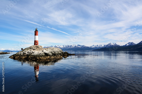 Stickers pour porte Phare Lighthouse Les eclaireurs in Beagle Channel near Ushuaia