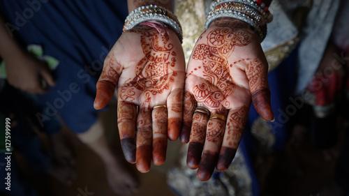Photo Mains ouvertes henné Mariage