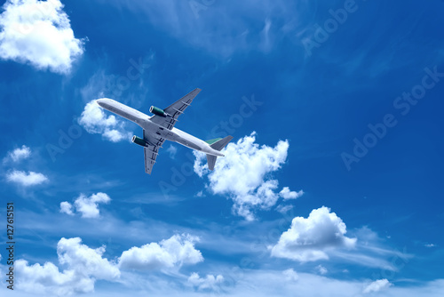 Photo  Airplane with beautiful sky on background