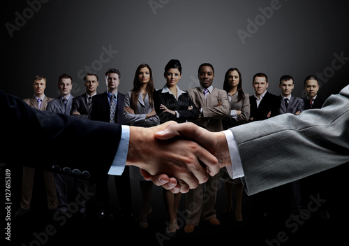 Fotografia  concept of a professional business team and reliable partnership