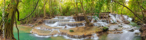 Foto op Canvas Watervallen Huai Mae Kamin waterfall