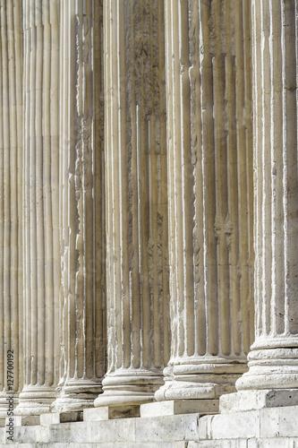 Leinwand Poster Säulen des quadratischen Hauses von Nîmes