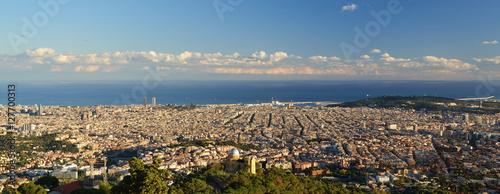Photo View of Barcelona city from Tibidabo.