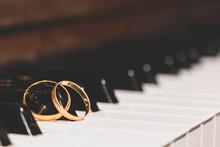 Wedding Rings Piano Key