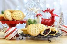 Festive Christmas  English Style Fruit Mince Pies