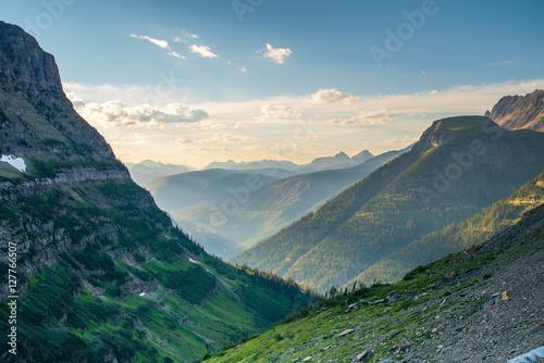 Valokuva  Glacier National Park valley