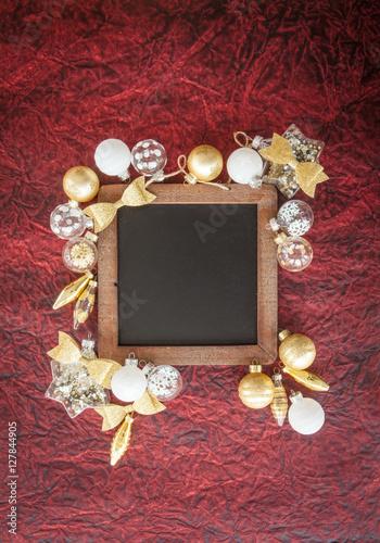 Christbaumkugeln Weiß Gold.Weisse Und Goldene Christbaumkugeln Buy This Stock Photo And