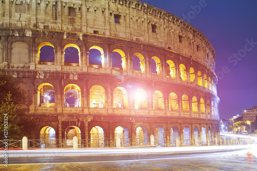 Photo  Italy. Rome. The night Collosseo..