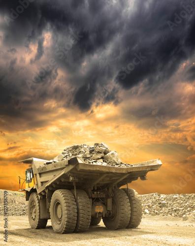 Heavy mining truck Tablou Canvas