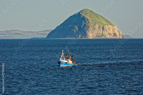 Papel de parede Scotland - Ailsa Craig - Firth of Clyde- near Glasgow