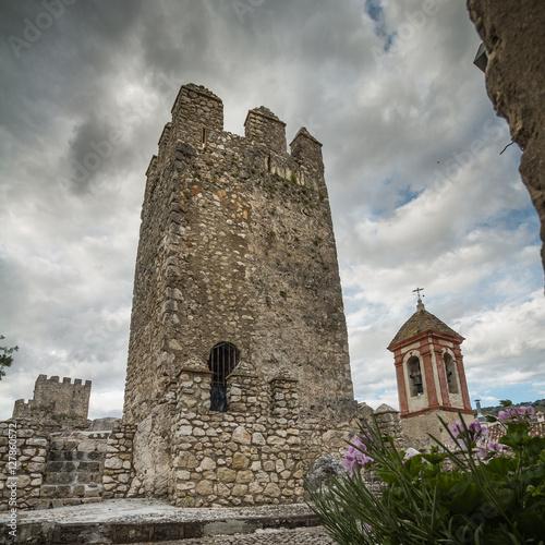 Foto  Torre castillo de Zuheros