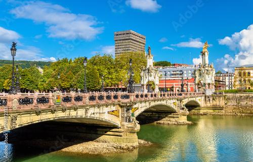 Obraz na płótnie Maria Cristina Bridge over the Urumea river in San Sebastian, Spain