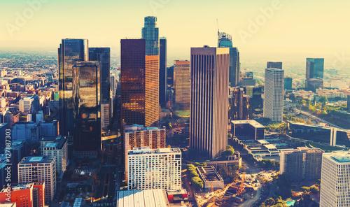 Plakat Widok z lotu ptaka Downtown LA o zachodzie słońca