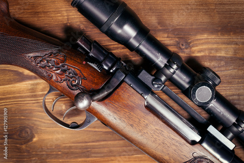 Foto op Aluminium Jacht Sniper on wooden background