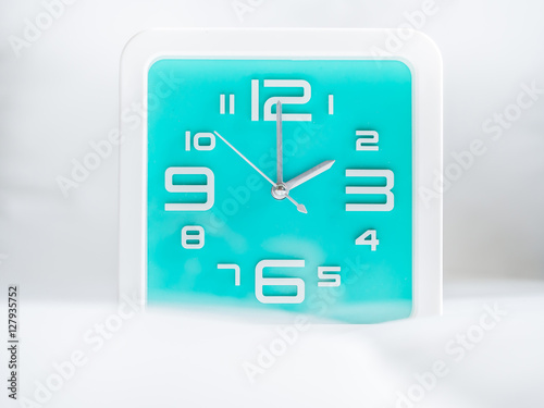 Plagát  Set of time. 2 O'Clock, Square turquoise clock.