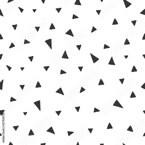 hand-drawn-seamless-pattern-with-triangle-confetti