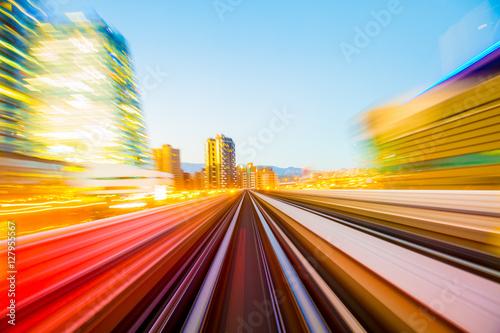 Plakat Prędkość ruchu w tunelu drogowego autostrady miejskiej