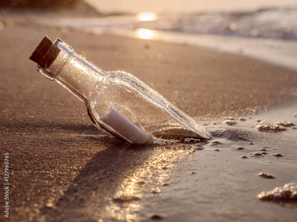 Fototapety, obrazy: Message in the bottle