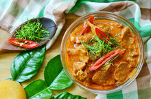Thai Menu  Panaeng Curry With Beef And Fresh Kaffir Lime Leaves,coconut Sugar And Sliced Chili . Beef In Ground Peanut-coconut Cream Curry.