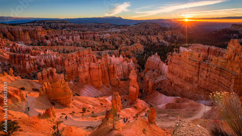Photo Stands Canyon Scenic view of stunning red sandstone in Bryce Canyon National P