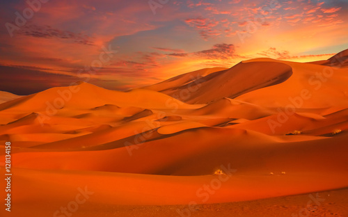 Canvas Prints Red Stunning sand dunes of Merzouga
