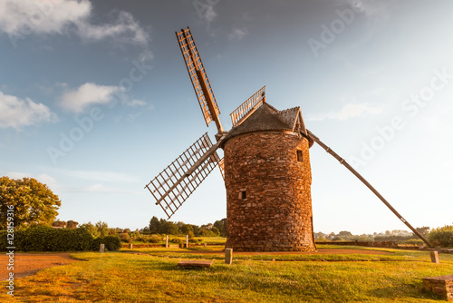 Photo sur Toile Moulins Dol de Bretagne windmill Brittany France