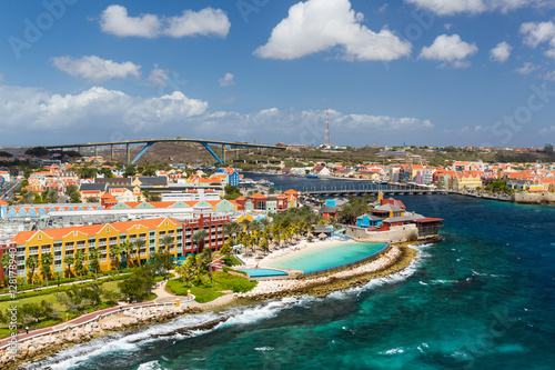 Fotografie, Obraz  Willemstad in Curacao and the Queen Emma Bridge