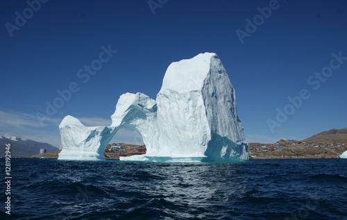 Von Eis umringt