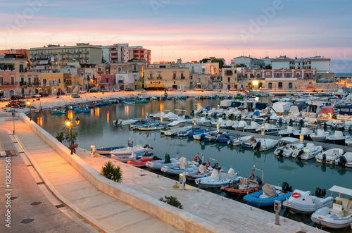 Photo Bisceglie old port at soft sunset light (Puglia Italy)