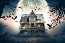 Haunted House. Creepy Atmosphe...