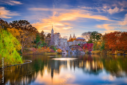 Photo Stands New York Central Park, New York City at Belvedere Castle in the autumn.
