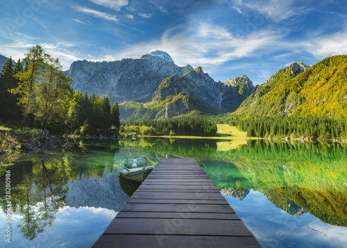 Foto op Canvas Bergen Mountain lake