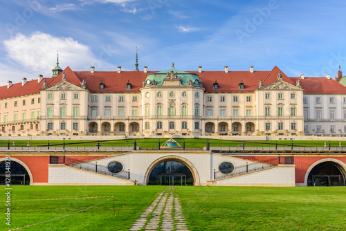 royal-castle-a-famous-landmark-in-the-old-town-of-warsaw-poland