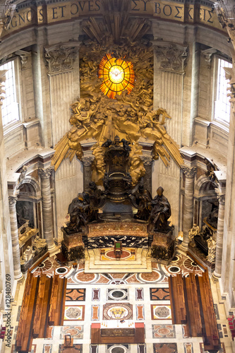 Tablou Canvas Main altar in basilica st peter in vatican, bernini masterpiece, rome, italy