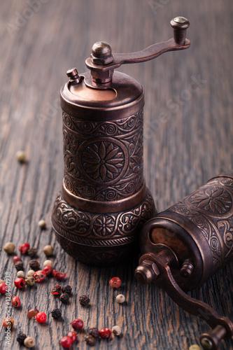 Fototapety, obrazy: pepper grinders
