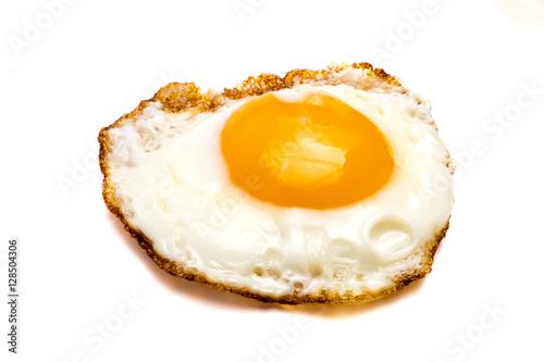 Foto op Plexiglas Gebakken Eieren Spiegelei isoliert auf weißen Hintergrund