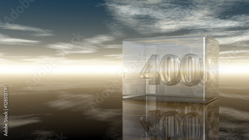 Fotografia  die zahl vierhundert in glaswürfel